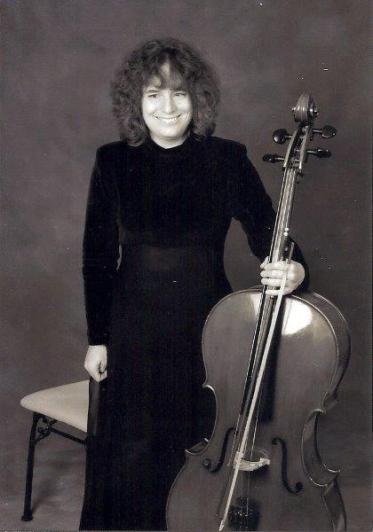Leslie holding cello 250 dpi